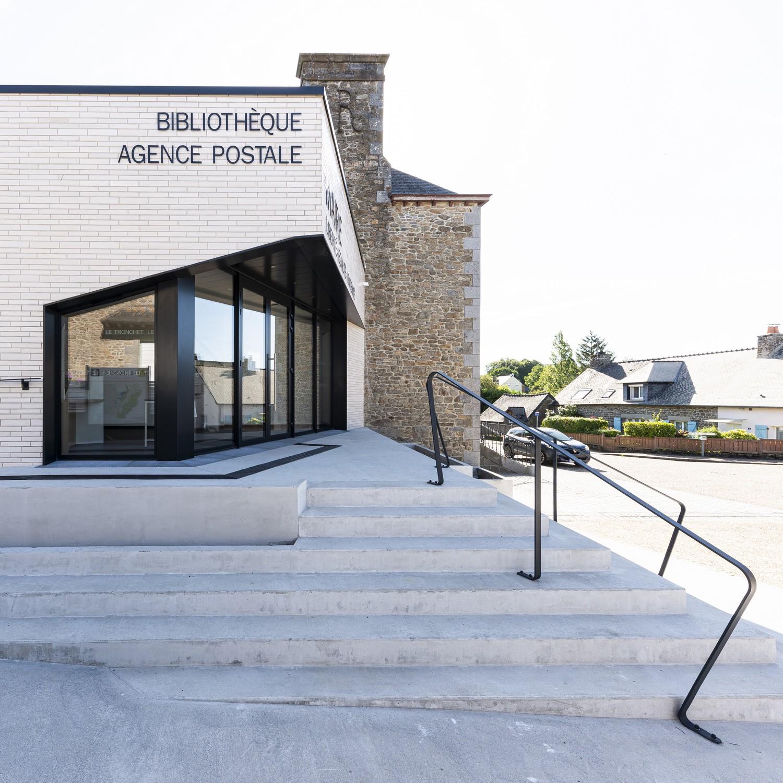 Mairie Le Tronchet 05-accès principal-© P. Lelièvre non libre de droits – 1500px